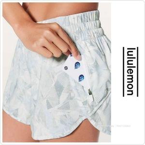 """Lululemon Jasmine Prestine 4"""" Tracker Short V 10"""